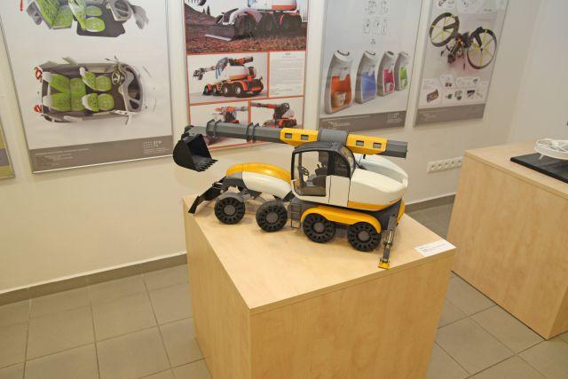 výstava TRANSTECHDESIGN - stavebný stroj